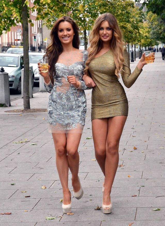 Hot Girls Photo
