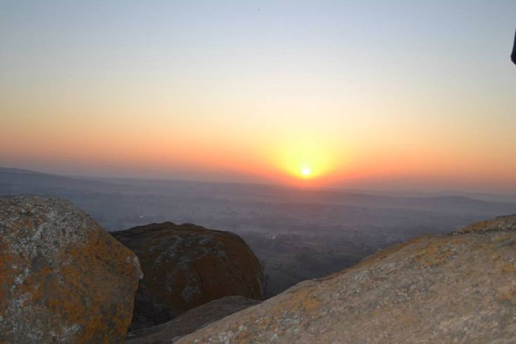 5 Places With Beautiful Sunrise That You Cannot Afford To Miss Near Bangalore  >>> In the continued feeling of Independence day, my dear Bangalore people, I hope you have picked up a place from the list of Adventurous Getaways from Bangalore to Celebrate Independence Day and for those of you who are still confused, here we are to give you all the more reason to go.  #Kunti Betta, #Anthargange, #Ramanagara, #Narayangiri, #Skandagiri