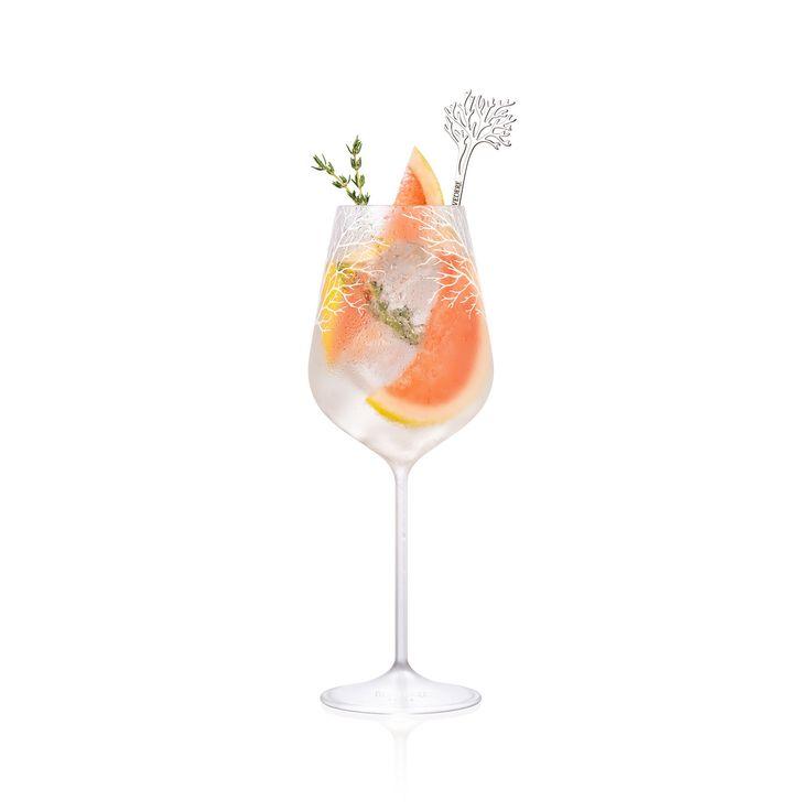 Un cocktail au thym aphrodisiaque et pamplemousse par Belvedere  Vodka - Saint Valentin