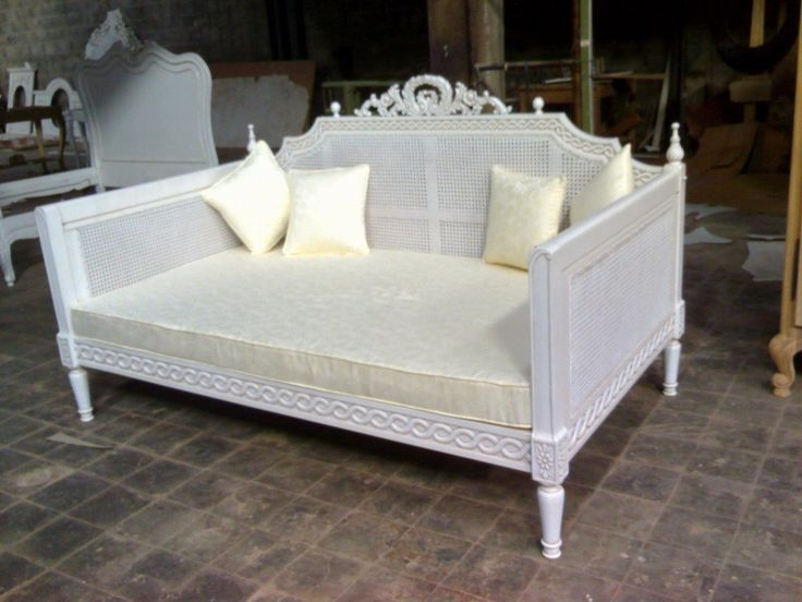 would do it in yellow http://i01.i.aliimg.com/photo/v0/202353741/Antique_Reproduction_Furniture_French_Daybed.jpg