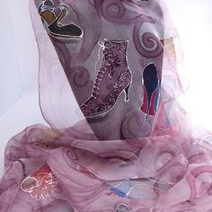 """Etole écharpe foulard en mousseline de soie peint main """" soulier de soie """""""