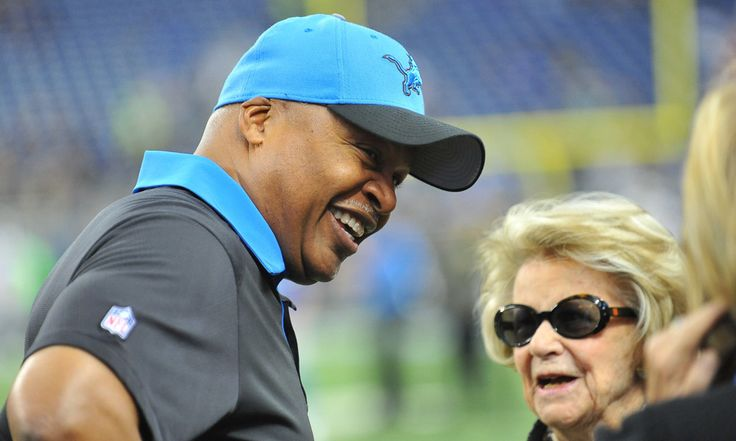 Lions' Jim Caldwell meets with GM Bob Quinn, but no decision made = Detroit Lions' head coach Jim Caldwell met with new GM Bob Quinn today, and it was speculated that he may be fired after the meeting. If not, it was assumed that Quinn would.....