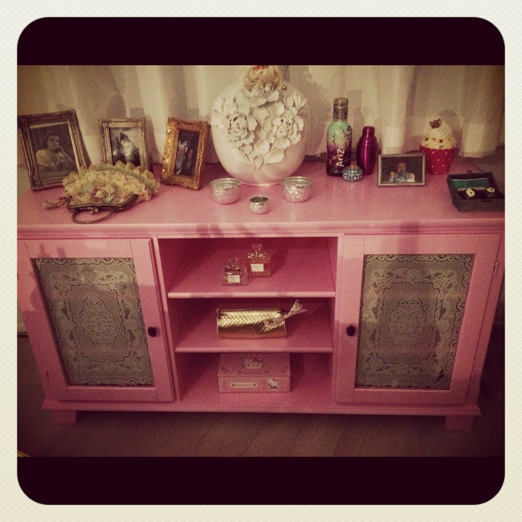 My pink redone dresser. Vintage. What do you think? :-)