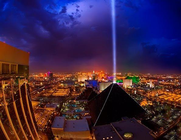 Luxor hotel pyramid in las vegas