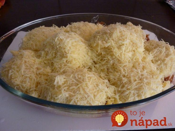 Také skvelé, že si na mäso ani nespomeniete: Zemiakové gule zapečené s omáčkou a syrom!