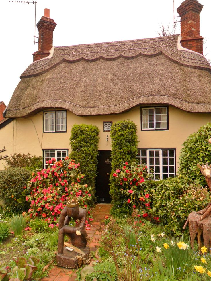 152 best english country cottages images on pinterest for Pictures of english country cottages