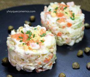 ENSALADILLA DE SALMÓN. Perfecta para aperitivo o entrante. VER RECETA: https://yhoyquecomemos.com/ensaladilla-de-salmon/ #recetas
