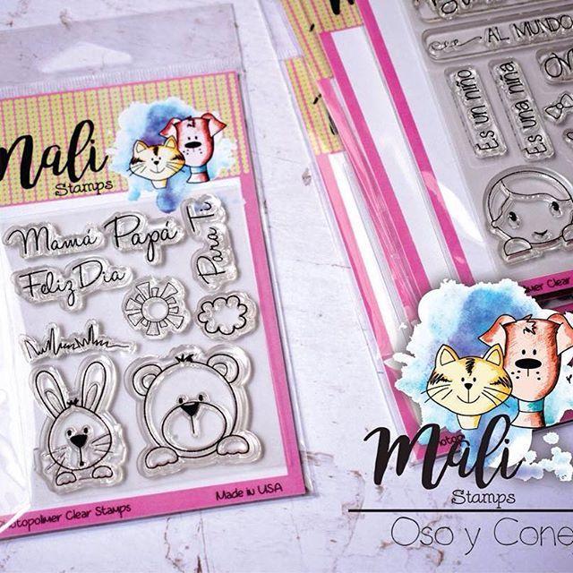 Set de sellos en español, con dos tiernos animalitos ideal para tarjetas, recordatorios, lluvia de sobres y todo lo que desees. Disponible en @mifabricadeideas #clearstamps #sellosenespañol #sellosenespanol #scrapbooking #scrapbook #baby