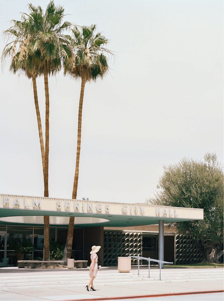 PALM SPRINGS CITY HALL (Albert Frey) - Stephanie Kloss - Tableaux, photographie, art photographique en ligne chez LUMAS