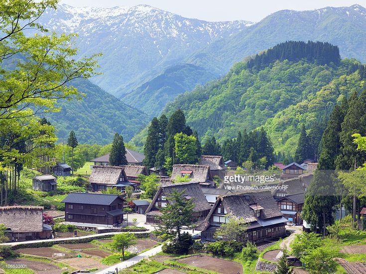 gokayama-toyama-prefecture-honshu-japan-picture-id106533601 (1024×769)
