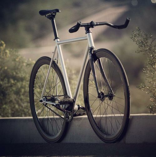 Maybe some inspiration for the fixie I want to build