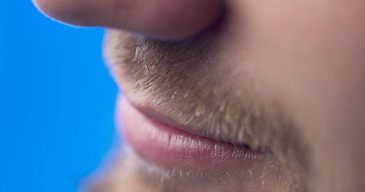 ¿Cómo hacer para que la barba deje de picar?. Hoy en día es muy común ver hombres con barba. Han surgido muchos estilos, desde barba en toda la cara hasta una simple chiva. Los hombres aprenden a cuidar y arreglar su barba a medida que crecen. La picazón es parte del proceso de crecimiento y es terriblemente irritante, pero hay modos de combatirla y aplacarla mientras crece la barba.