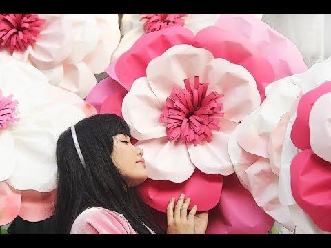 DIY GIANT PAPER FLOWER - YouTube