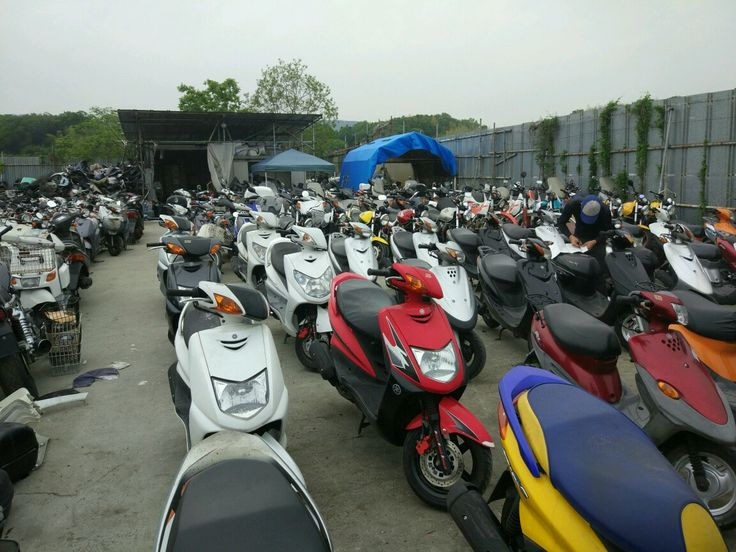 We are the largest distributer of used vehicles in Japan. We mainly deal all types of two wheelers like scooters, bikes, motorcycles etc. We buy directly from the yards of Japan without any third party and send to the customers of all over the worlds in a shortest delivery time.665-3854934.