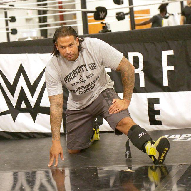 Tim Wiese, missione completata: debutta ufficialmente con la WWE! - http://www.maidirecalcio.com/2016/10/07/tim-wiese-wwe-debutto.html