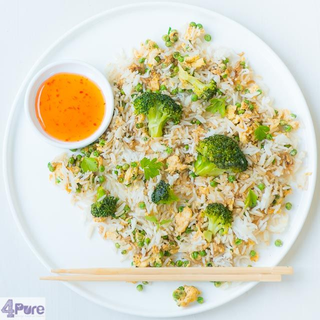 Fried rice with egg and garlic broccoli - English recipe - a vegetarian stir-fried Oriental style dinner