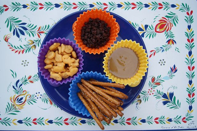 """Gone Fishing Snack Idea - Dip Pretzel in PB then go """"fishing"""" for goldfish or mini chocolate chips.Fun Snacks, Fish Snacks, Snack Ideas, Fishin Snacks, Schools Snacks, Fishing Poles, Snacks Ideas, Peanut Butter, Gone Fishing"""