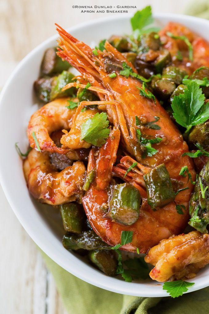 Shrimp and Asparagus Stir-Fry in Oyster Sauce