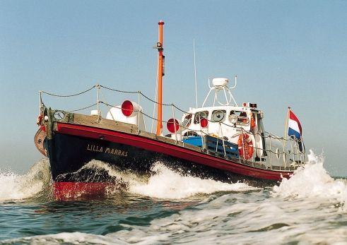 Lekker overnachten op Lilla Marras Douglas & Will. Pardon? Dat is de oorspronkelijke naam van een heuse reddingsboot in Harlingen.