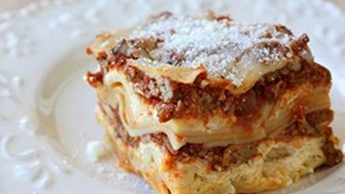 When I came across this recipe for Easy Slow Cooker Lasagna, I was intrigued. I was pleasantly surprised, and swore this would be the only way we were doing lasagna in my house from now on.