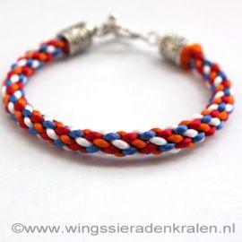 Kumihimo Geknoopte Armband Koninginnedag 8F Armbanden hand- en home made gevlochten met satijndraad http://www.biancasengeltjessieraden.nl/c-2266815/gevlochten-en-geknoopte-armbanden/