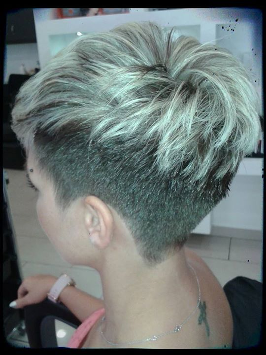 Short blonde hair- I love the short haircut for something different