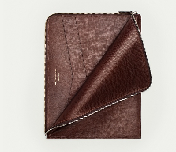 Want les Essentials de la Vie  Laptop / document sleeve