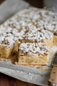 Łatwe i puszyste ciasto z jabłkami i orzechami włoskimi
