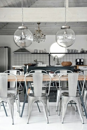 Dining table with hairpin legs, metal chairs #livingroomchairs  #diningroomchairs #chairdesign upholstered dining chairs, silver chair, upholstered chairs | See more at http://modernchairs.eu