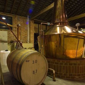 VisitVineyards.com - #Tasmania's booming #whisky industry receives lavish praise from a world expert