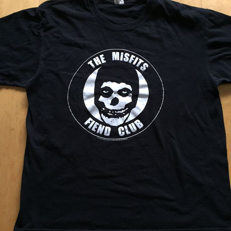 🎶...We are the Fiend Club...🎶 Size (XL) Gently Pre Loved T-shirt This shirt rocks. 100% cotton, size Large. Iconic Crimson skull Fiend Club on the front. no returns on clothing that doesn't fit   #misfits #danzig #punk #cbgbs #devillock #jerryonly #crimsonskull #horrorbusiness #americanpsycho #legacyofbrutality #lastcaress #diediemydarling #138 #weare138 #hybridmoments #whereeaglesdare #rocktee #goth #gothsofig #diypunk #punkgirls #gothgirls