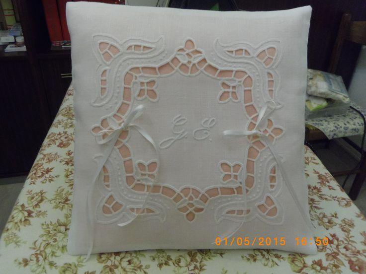 cuscino fedi per Gabriella - disegno di mani di fata