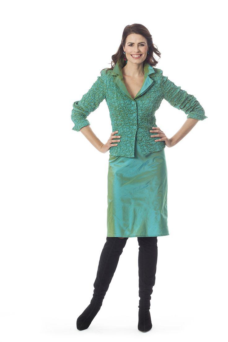 CC 0550 - | Trakteer uzelf op de perfecte bruidsmoederkleding van vele topmerken. Ook specialist in mooie feest- of avondkleding.