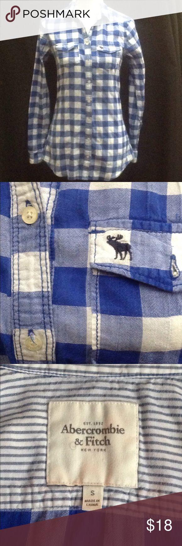 ABERCROMBIE Women's Button down shirt, SZ Small ABERCROMBIE & FITCH Women's Button-down Oxford Shirt Size Small Cornflower blue & white plaid 100% Cotton Excellent Condition Abercrombie & Fitch Tops Button Down Shirts
