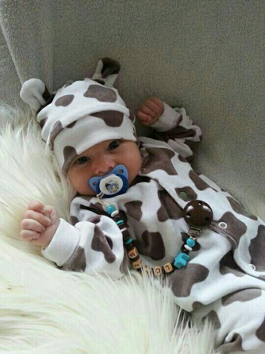 For baby's first Halloween can he/she PLEASEEEEE be this cow