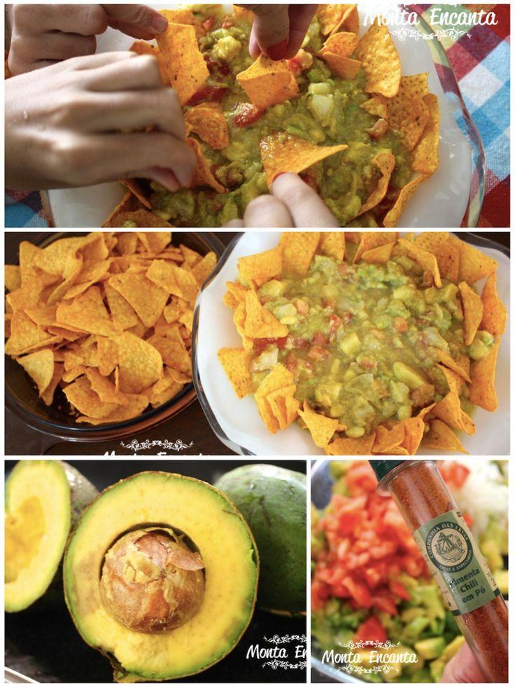 Uma entradinha mexicana. a Guacamole, é uma pasta de avocado,  temperada com pimenta chilli, limão e servida sobre nachos de milho crocantes. Muito simples de fazer, bastante saudável e para lá de deliciosa.  http://www.montaencanta.com.br/festa-aniversario-2/guacamole/