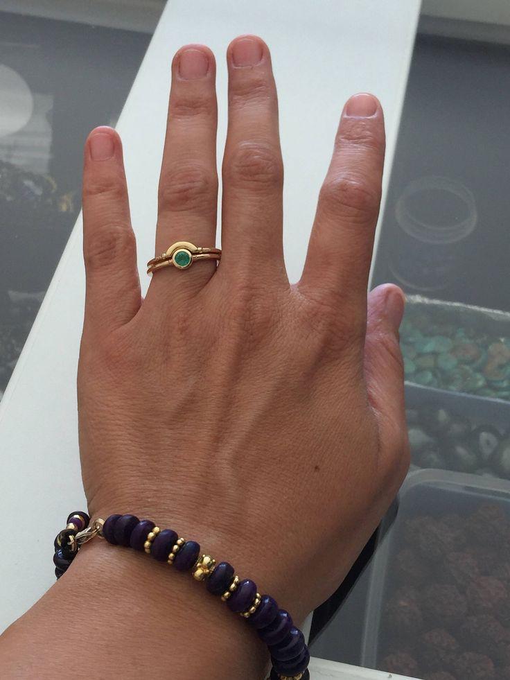 Anillo de Esmeralda, delicado anillo esmeralda, 18K anillo esmeralda oro, anillos de juego, Set, anillos Set oro amarillo, delicados anillos, mujer conjunto  DESCRIPCIÓN: Este anillo único es el anillo de piedras preciosas o un juego. Piedras preciosas disponibles en variaciones: Rubí, esmeralda, zafiro, ónix, granate, amatista, turmalina, citrino.  MATERIAL y dimensiones: * Piedras naturales. (Ver variaciones) * 18 k oro sólido. * Peso del anillo: dependiendo del tamaño del anillo: a partir…