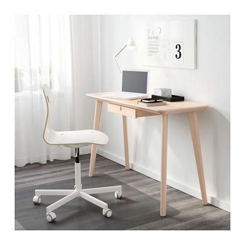 IKEA - LISABO, Skrivebord, , Det markante åremønster gi'r hvert enkelt bord et unikt udseende.Bordpladen af asketræsfiner og ben af massiv birk gi'r en varm og naturlig stemning i rummetAsk er et naturligt holdbart materiale. Overfladen er gjort endnu mere holdbar med et beskyttende lag lak, som også hjælper med at bevare træets naturlige præg.Nemt at samle, fordi hvert ben kun har 1 beslag.Skuffestop forhindrer skufferne i at blive trukket for langt ud.