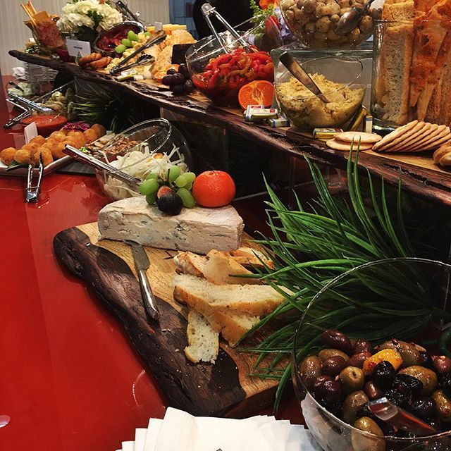 Antipasto Bar anyone? ------------------------------------#torontocatering #yyz #toronto #foodart #cateringlife #blogTO #events #eventcatering #catering #torontovenues #torontoeats #tastetoronto #torontofood #foodgasam #goodeats #instafood #foodphotography #eventplanner #eventplanning #416 #TOfood #decor #weddings #meetings #decorations #bar #antipastobar #yummy #mondayblues