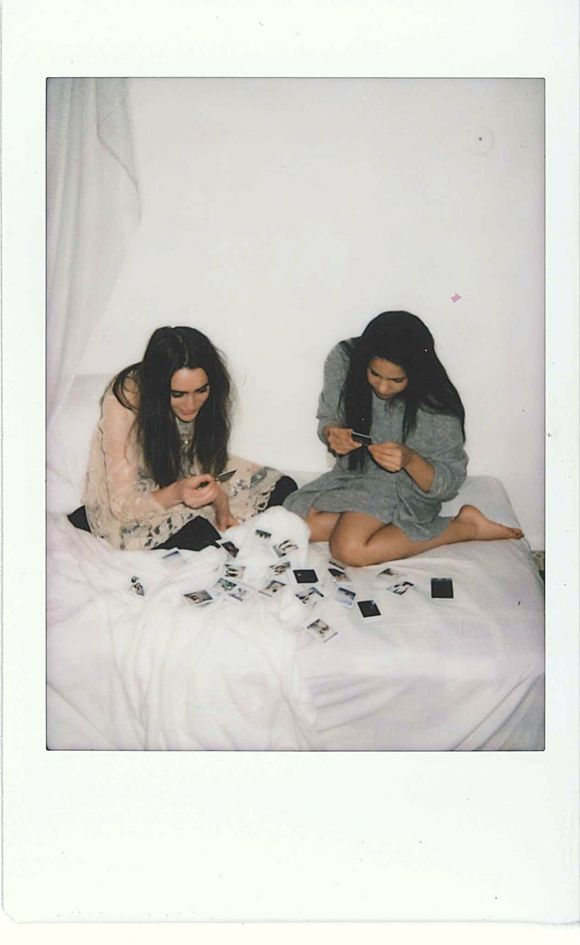 17 best ideas about polaroid pictures on pinterest polaroid ideas polaroid and summer photography. Black Bedroom Furniture Sets. Home Design Ideas
