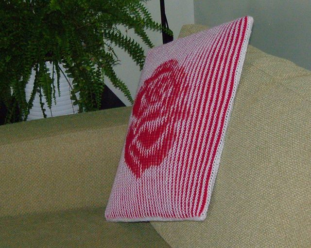 Rose - Illusion knitting cushion cover or wall-hanging