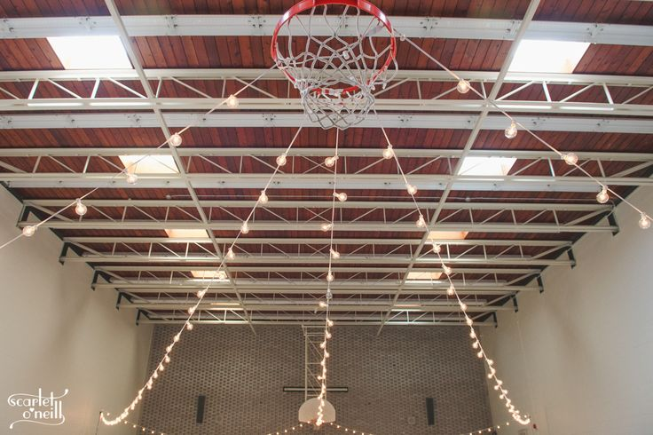 #stringlights #gymwedding #gardenpartywedding #hanginglights