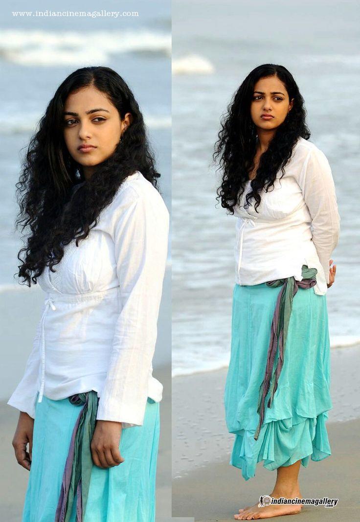 nithya-menen-in-jathaga-movie-(2)