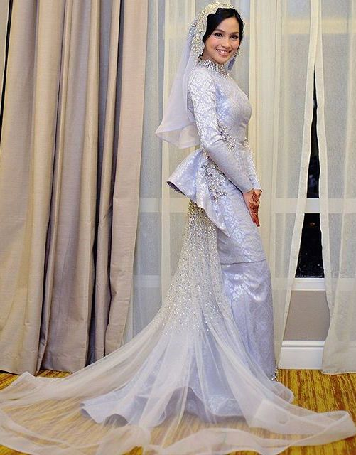Nurtria Wulandari Ariffin - Beautiful Songket by Rizman Ruzaini