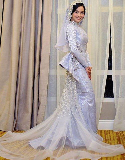 Nurtria Wulandari Ariffin - Beautiful Songket by Rizman Ruzaini