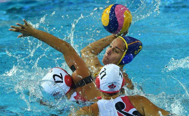 España derrota a Canadá y se asegura la plata en waterpolo femenino