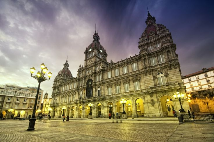 En Noviembre Coruña se pone wapa! La moda se funde con la música y la gastronomía en los múltiples eventos programados http://logi.travel/iU