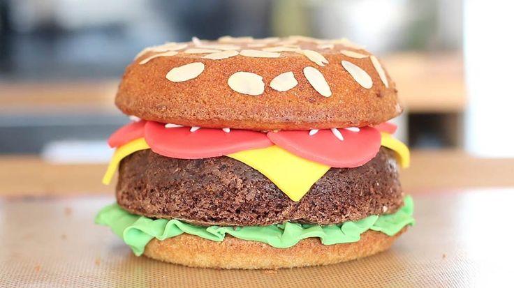 Vidéo cuisine : comment faire un gâteau-burger ? La vidéo d'un dessert facile et original ! - Cosmopolitan.fr