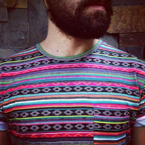 Nueva camiseta estampada con inspiración étnica. #belikepardo  (at Pardo)