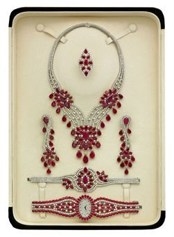 A RUBY AND DIAMOND PARURE, BY ELIE CHATILA